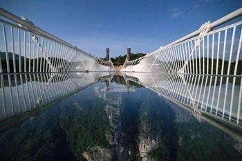 竞博jbo官网登录宝峰飞瀑宝峰湖、溪布街、竞博jbo官网登录大峡谷云天渡玻璃桥一日游