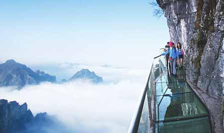 优德88中文官网大峡谷、世界最长玻璃桥、天门山、玻璃栈道、凤凰古城3天2晚游