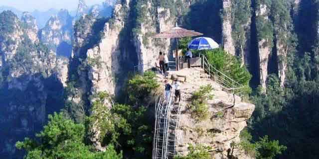 竞博jbo官网登录国家地质森林公园、黄石寨、金鞭溪休闲一日游